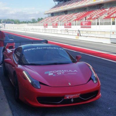 Jazda Ferrari po torze F1