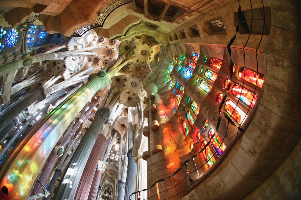 wnetrze Sagrada Familia